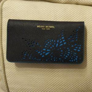 Henri Bendel iPhone wallet